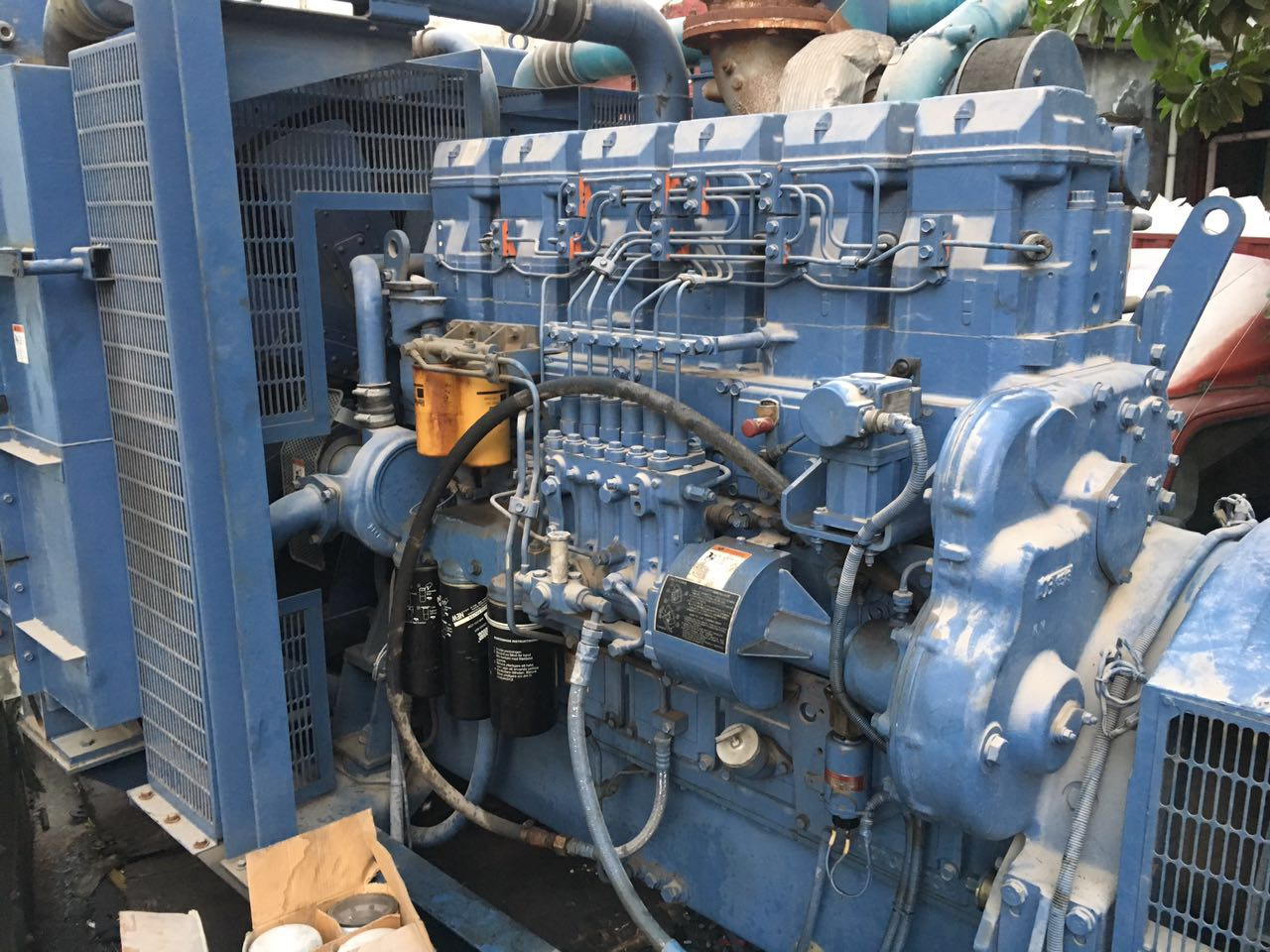 704kw Mitsubishi used diesel generator 50Hz 380v for standby