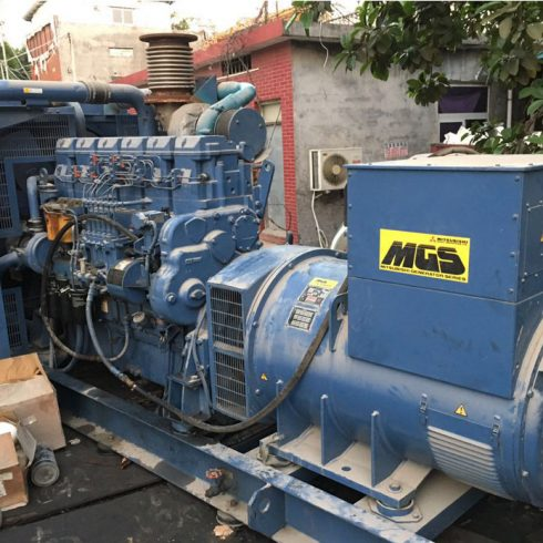 704kw Mitsubishi used diesel generator 50Hz 380v for standby usage